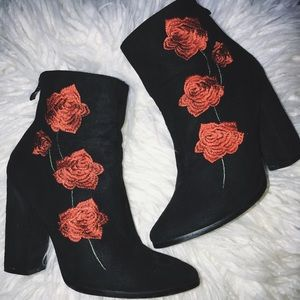 Heeled rose embroidered booties